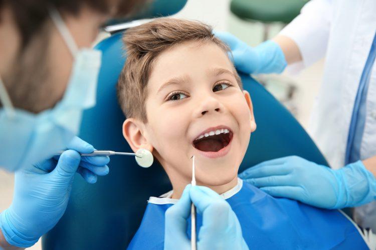 leczenie kanałowe zębów mlecznych